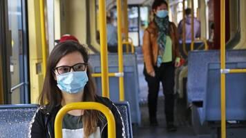 Im öffentlichen Nahverkehr: 150 Euro Bußgeld für Masken-Muffel in Nordrhein-Westfalen