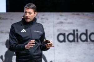 Licht am Ende des Tunnels: Adidas erwartet nach Verlusten wieder bessere Zeiten