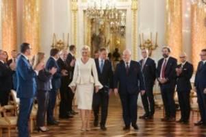 von protesten begleitet: polens präsident duda für zweite amtzeit vereidigt