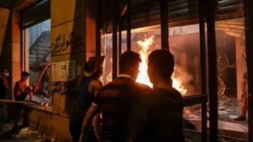 Demonstranten in Beirut stürmen Energie- und Handelsministerium