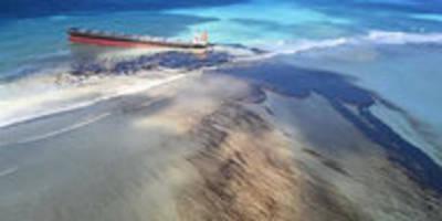Havariertes Frachtschiff vor Mauritius: Öl fließt in die Korallenlagune