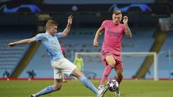 Real Madrid - Champions-League-Aus: Kroos verteidigt Varane nach Patzern