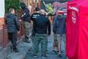 gefährlich braune landpartie  - rechte kapern mit szene-immobilien ostdeutsche provinz- ein ort wurde nazi-nachbarn los