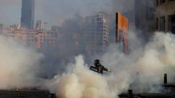 Nach Explosion: Chaos bei Protest in Beirut - Konferenz berät über Hilfe
