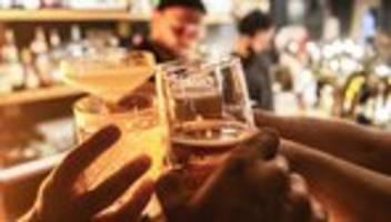 Gastronomie: Berlin erwägt Alkoholverbot zur Einhaltung der Corona-Maßnahmen