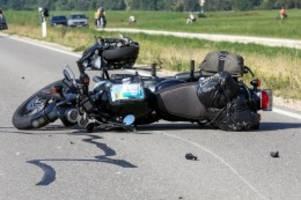 Unfall: Schwerer Unfall bei Sigmaringen: Motorradfahrerin gestorben