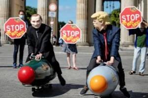 atomwaffen: abrüstungsverträge vor dem aus: droht die nukleare anarchie?