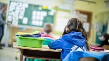 grüne fordern klarheit über corona-regeln an schulen