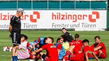 Bundesliga: Streich erklärt Freiburgs späten Trainingstart