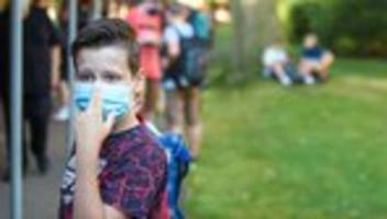 Corona-Regeln an Schulen: NRW hält an Maskenpflicht im Unterricht fest
