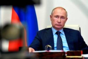 Corona-Pandemie: Putin: Russland lässt Impfstoff gegen Coronavirus zu