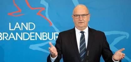 Woidke verkündet neue Corona-Regeln für Brandenburg
