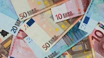 Durchsuchungen in mehreren Bundesländern: Razzien wegen Verdacht auf Geldwäsche und Steuerhinterziehung