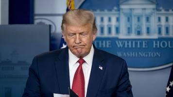 Hintergründe unklar - Schüsse vor Weißem Haus: Trump unterbricht konferenz