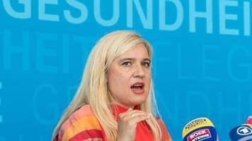 Söder sagt Reise ab: Panne bei Corona-Tests mit 900 Infizierten