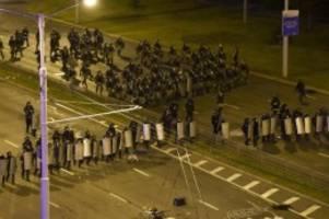Schwere Zusammenstöße: Belarus: Angebliche Protest-Organisatoren festgenommen