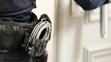 berlin: reiserückkehrer wegen terrorverdachts am flughafen schönefeld verhaftet