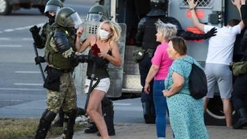 Neue Eskalation in Belarus: Polizei setzt Schusswaffen gegen Demonstranten ein