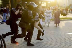 Weißrussland-Wahl: EU wählt drastische Worte und droht - Oppositionskandidatin flieht
