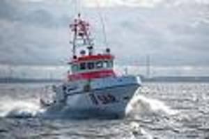 glück im unglück - yacht gesunken - seenotretter retten sieben segler aus der nordsee vor cuxhaven