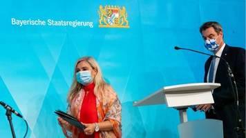 Panne bei Coronatests in Bayern: Söder entschuldigt sich für schweren Fehler – hält aber an Gesundheitsministerin fest