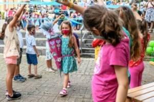 Corona in Berlin : Eltern fordern Maskenpflicht auch in Berliner Klassenzimmern