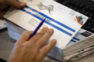 Trotz Pandemie: US-Präsident Trump greift Briefwahl und die Post an