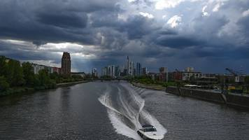 meteorologischer sommer endet trüb und regnerisch
