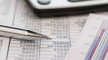 steuern und recht kompakt: behandlungskosten, steuererklärung, doppelte haushaltsführung