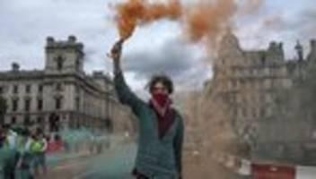 klimademo: mehr als 160 festnahmen bei protesten von extinction rebellion