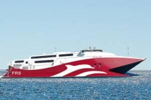 rügen: neue königslinie: katamaran erreicht hafen von sassnitz