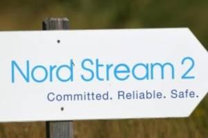 kriminalität: plakataktion der linken für weiterbau von nord stream 2