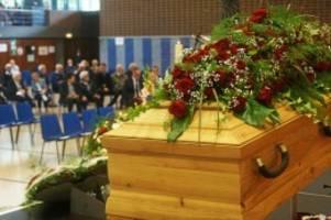trauerfeier: bad oldesloe nimmt abschied von ehrenbürger walter busch
