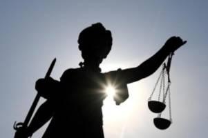 Prozesse: Ermittlungen gegen Wedel: Angebliches Opfer sammelt Spenden