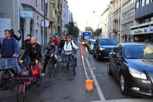 """die hermanstraße bekommt einen """"pop-up-radweg – aber nur für eine stunde"""