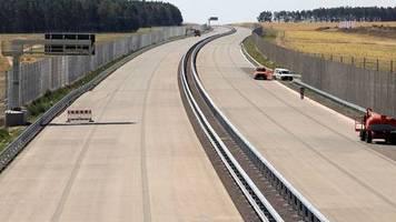 sanierung und betrieb: autobahngesellschaft: bauindustrie vermutet holprigen start