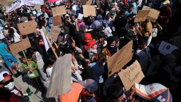 Moria-Flüchtlinge: Merkel und Seehofer wollen rund 1.500 Migranten aufnehmen