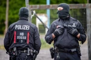 Razzia: Drogenhandel: 22 Wohnungen im Raum Bremen durchsucht
