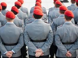 schwule über jahre benachteiligt: truppe stellt sich diskriminierender praxis