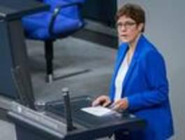 Kramp-Karrenbauer kündigt Entschädigung für Soldaten an