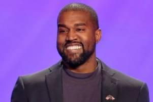 Musiker: Manische Episode? Kanye West pinkelt auf seinen Grammy-Award