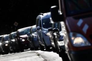 stauprognose: trotz ferienende - keine ruhe auf deutschen autobahnen