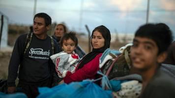 Brand in Moria: Wann kommt die Asylreform? – Debatte im EU-Parlament