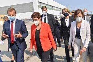 akk bei airbus: zwei ministerinnen wollen den kampfjet der zukunft