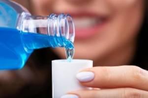 Covid-19: Forscher: Mundspülung kann Corona-Ansteckung verhindern