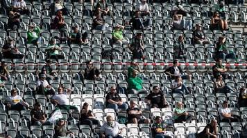 Bundesliga-Saison - Zu Fuß kommen,  WC einplanen: Stadionbesuch in Corona-Zeiten