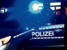 berliner polizei räumt james-simon-park in mitte