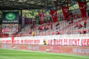 Fußball: Fans von Union Berlin kritisieren Fußball-Verbände