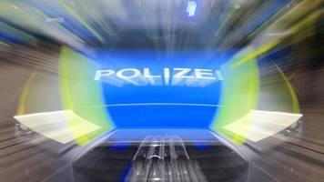 news von heute: kein sicherheitsabstand und prügeleien: polizei löst mehrere feiern in berliner parks auf