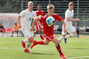 fussball: rellinger talent: mit links will er in die bundesliga
